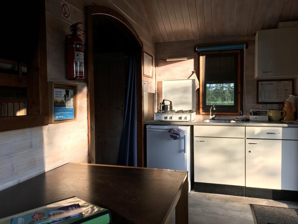 Interieur van de Trekkershut Plus met toilet