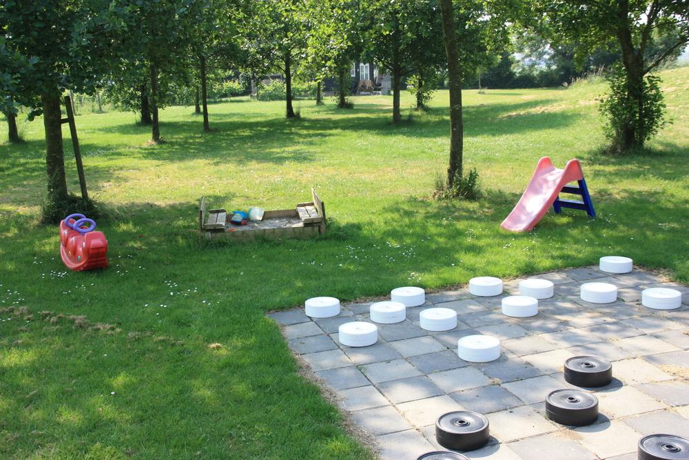 Speeltuin op het terrein