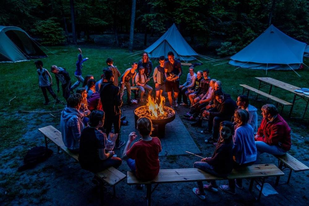 Samen genieten van kampvuuravonden! Dat is kamperen!