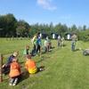 Een heerlijke activiteit met kinderen op het groepsterrein.