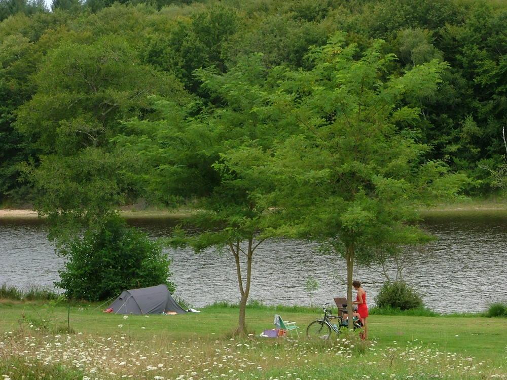 In het voorjaar misschien op fietsvakantie en kamperen op een prachtige plek. Echt, het bestaat nog!