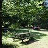 Heerlijk aan de picknicktafels zitten.