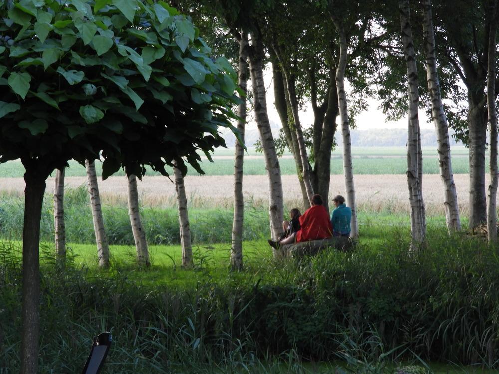 Uitkijken over het platteland.
