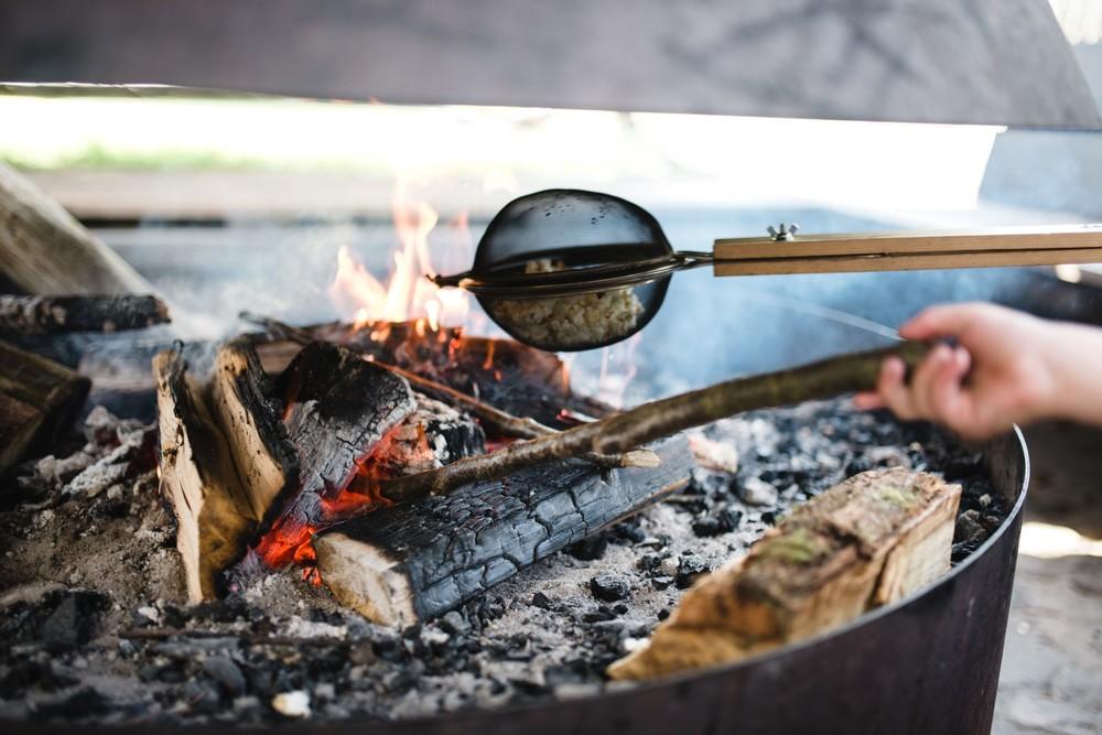 Lekker boven het vuur roosteren.