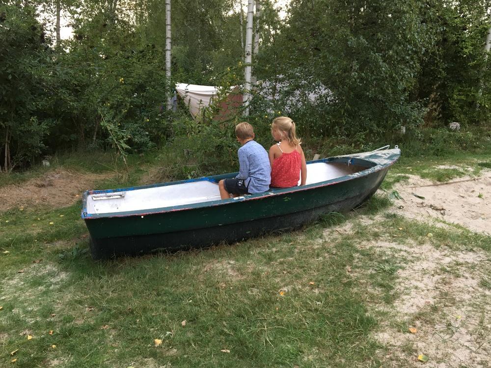 Kinderen in een boot