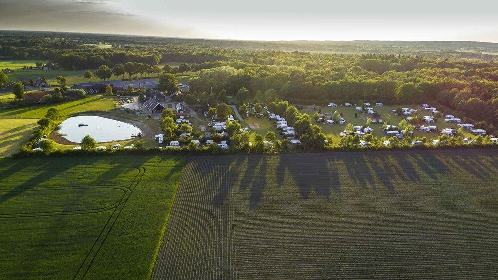 Luchtfoto van de camping