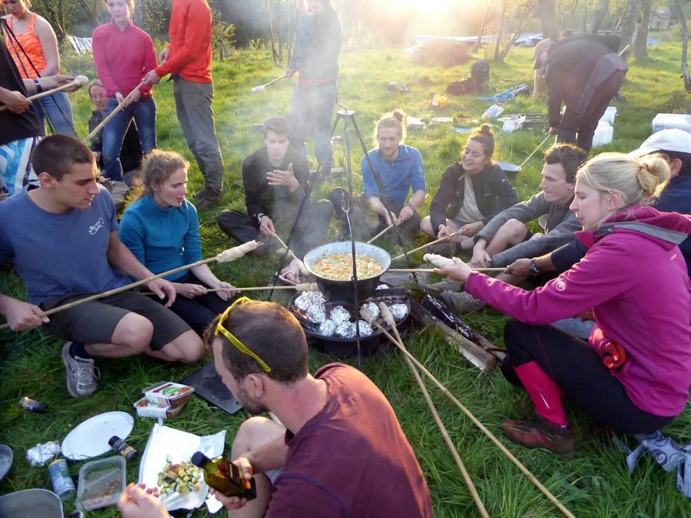 Gezamenlijk outdoor koken