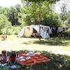 caravan op het kleine veld