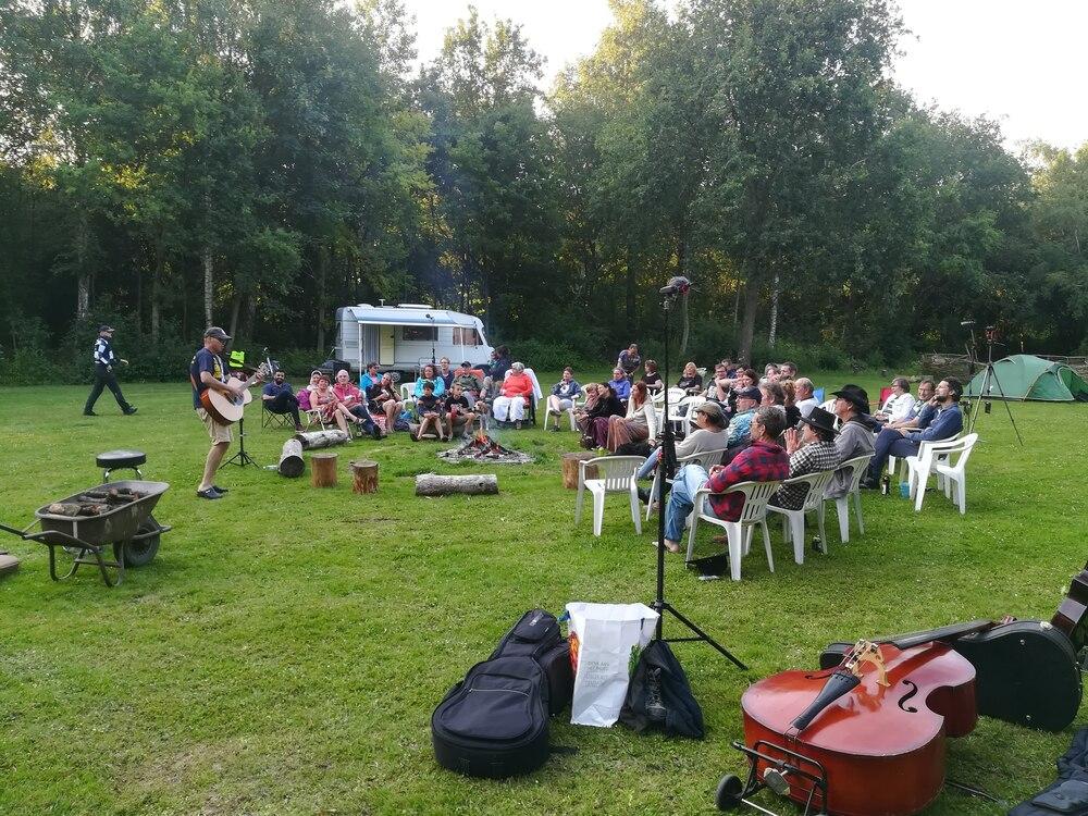Muziek bij het kampvuur